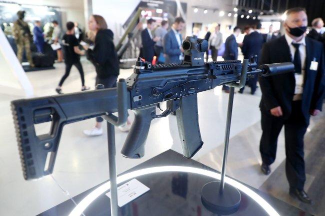 АК-19 впервые представили за рубежом на выставке IDEX-2021 в ОАЭ